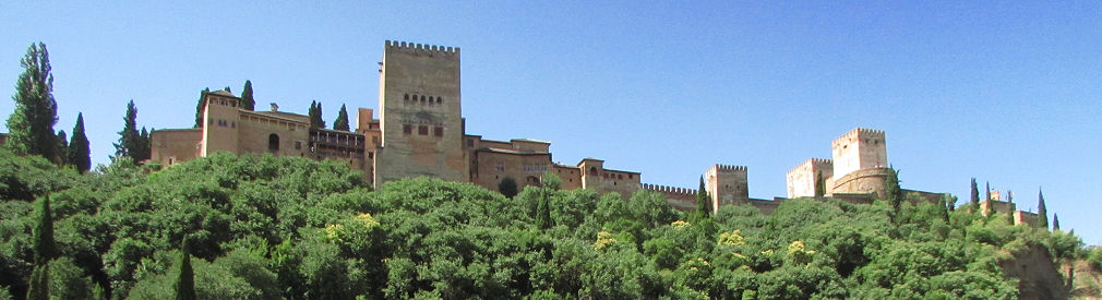 Accommodation in Granada: holiday apartment with Alhambra views